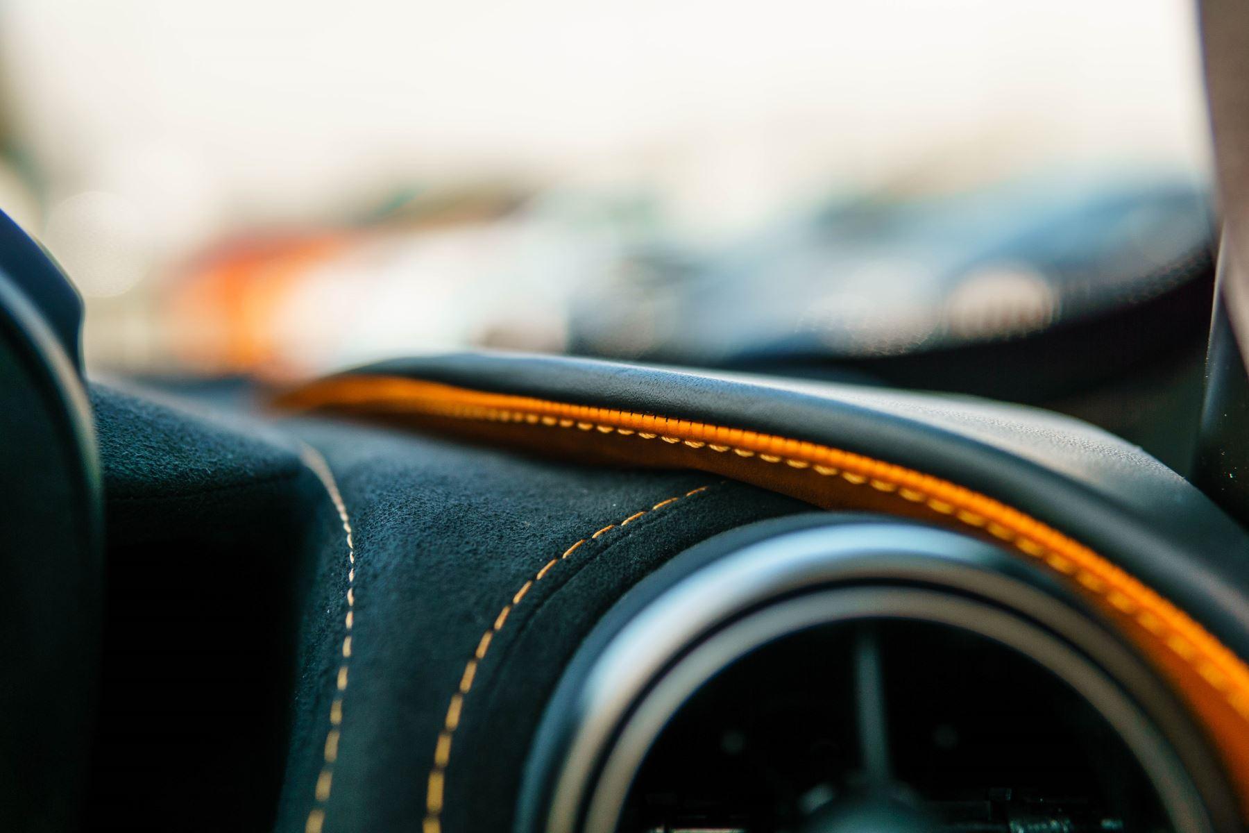 McLaren 720S V8 2dr SSG PERFORMANCE image 43
